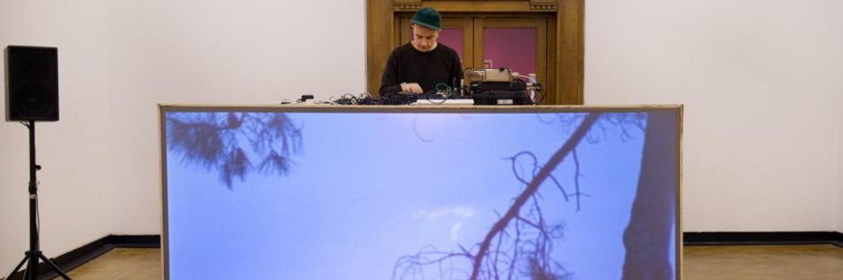 Morten Norbye Halvorsen performs at Beirut Art Center - ihjoz com